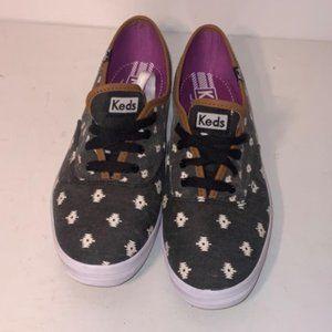 NWOT Keds 8.5 Tribal Sneakers